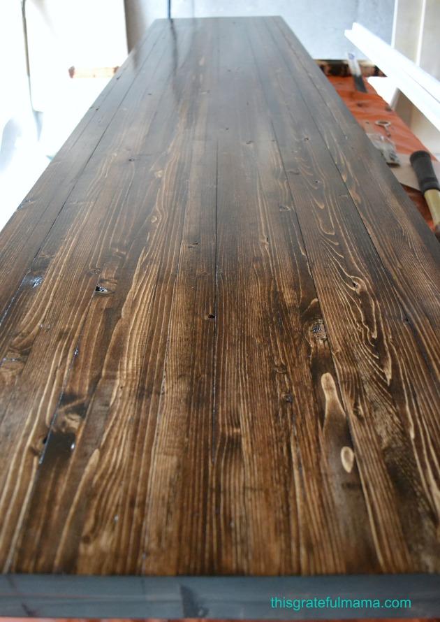 DIY Wood Mudroom Bench | thisgratefulmama.com
